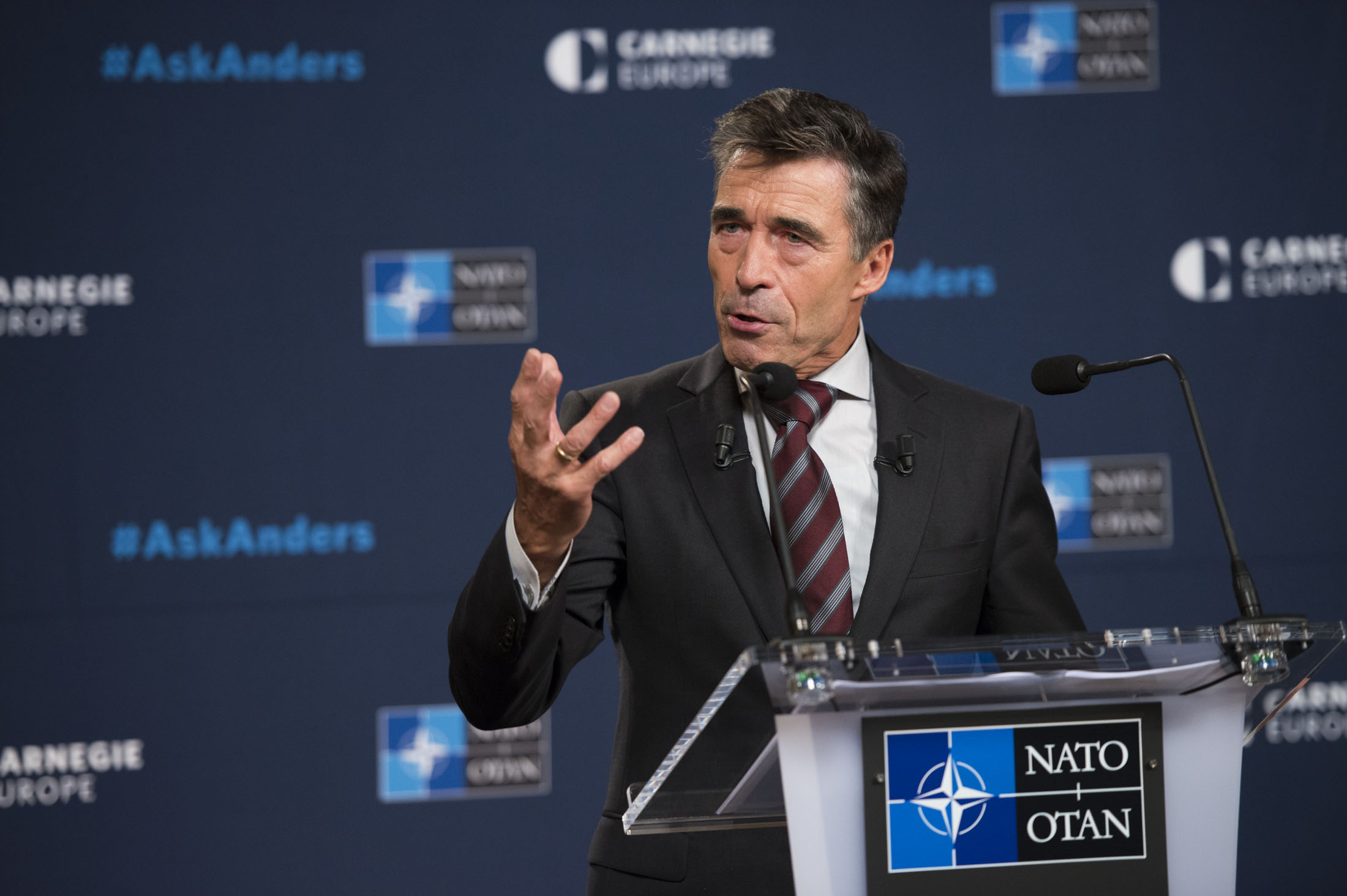 Secretary General Examines NATO's Need for Capabilities, Burden Sharing, and Partnerships