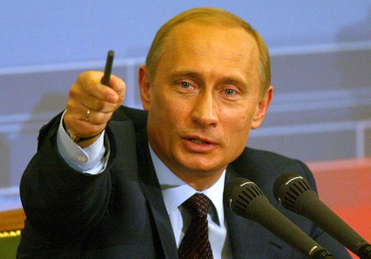 Putin Orders Strong Military Presence in Arctic