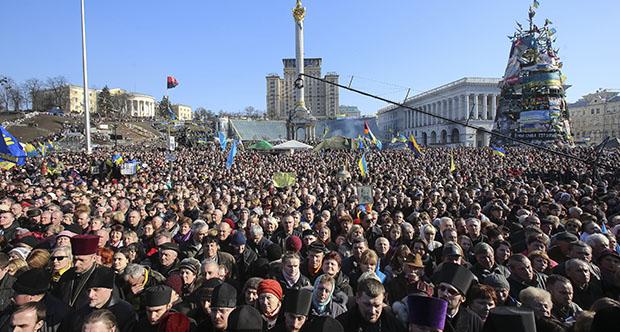 Ukraine's Crisis Government Seeks a Strategy Against Russia