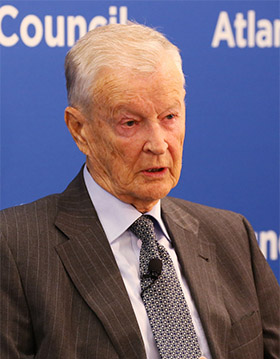 Zbigniew Brzezinski: Obama Has Failed to Communicate Ukraine Crisis to Americans