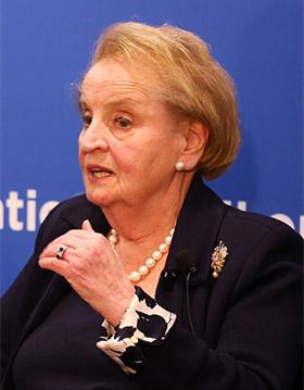 Madeleine Albright, Stephen Hadley: Obama, Media Need to Focus Americans on Ukraine