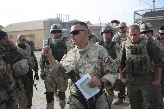 Polish soldiers in Ghazni, April 29, 2011