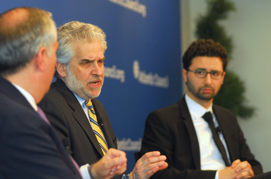 Artful Balance: US Must Consider Defense Pact with Arab Gulf States, Says Atlantic Council Report