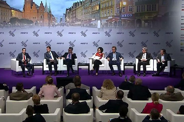 Corruption, not Russian Tanks, Greatest Threat to Success of Ukraine