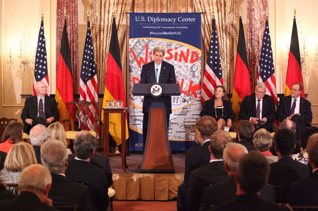 Berlin Wall to be Displayed at the State Department