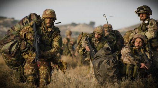 "Soldiers from Italy's 187th Parachute Regiment ""Folgore,"" Nov. 6, 2015"