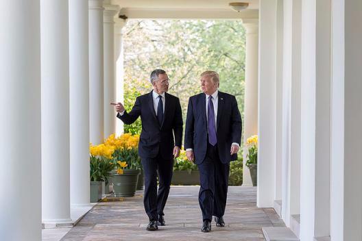 https://www.flickr.com/photos/whitehouse/33573170553/