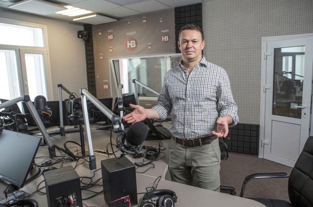 Rebel Radio: New Station Challenges Oligarchs' Media Monopoly in Ukraine