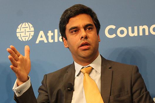 Venezuela's interim government unveils reconstruction plan