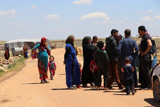 Displaced people gathered article