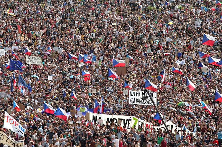 Protests in Prague: beyond the numbers