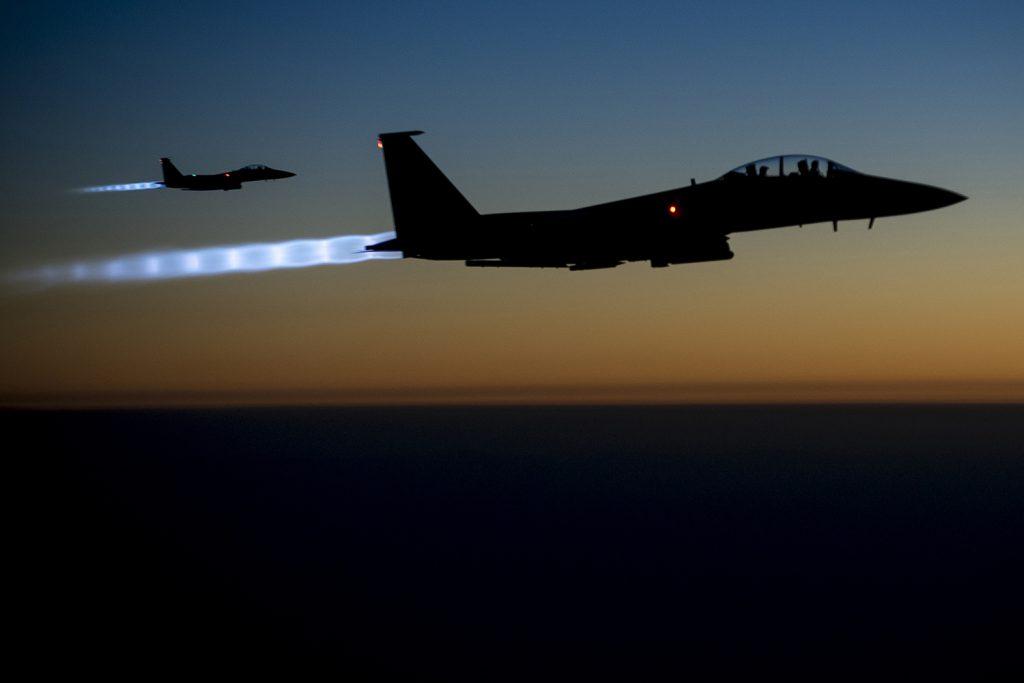 Αποτέλεσμα εικόνας για την εικόνα της Πολεμικής Αεροπορίας των ΗΠΑ πραγματοποιεί απεργιακές επιθέσεις εναντίον του Ιράν υποστηριζόμενων πολιτοφυλακών στο Ιράκ
