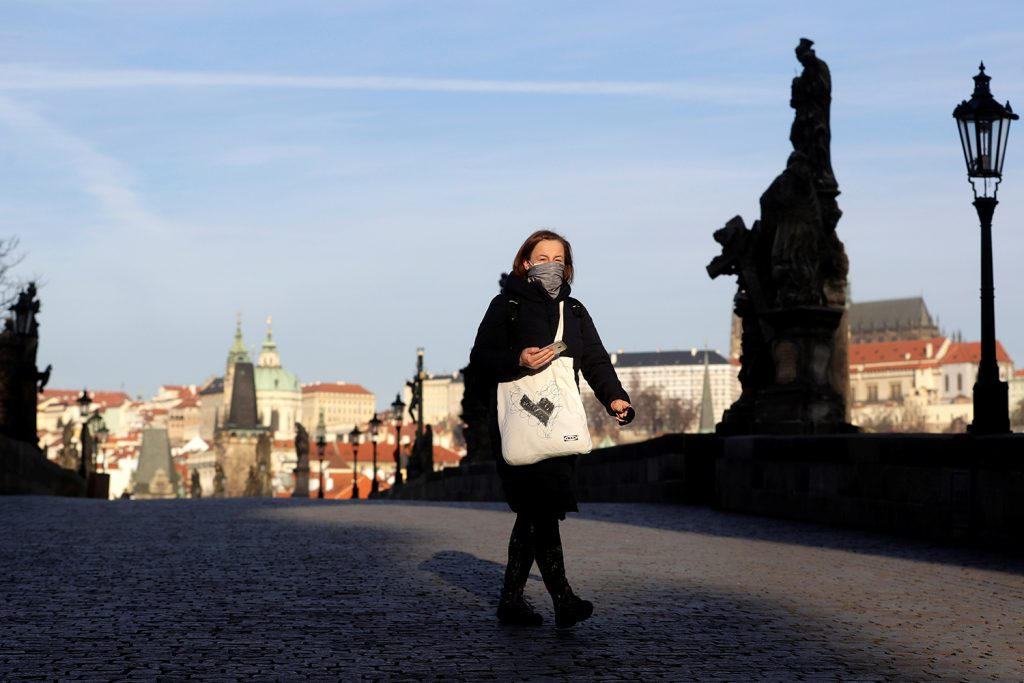 Strict measures—including compulsory face masks—help Czechs get grip on COVID-19