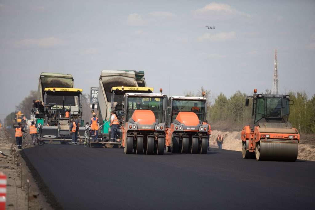 Ukraine's road agency head: Vast infrastructure upgrade continues despite pandemic