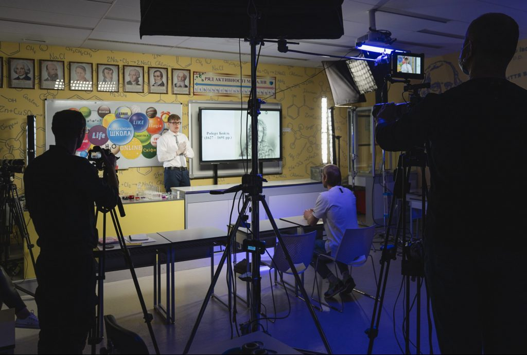 Ukrainian educators find multimedia solution to coronavirus school closures