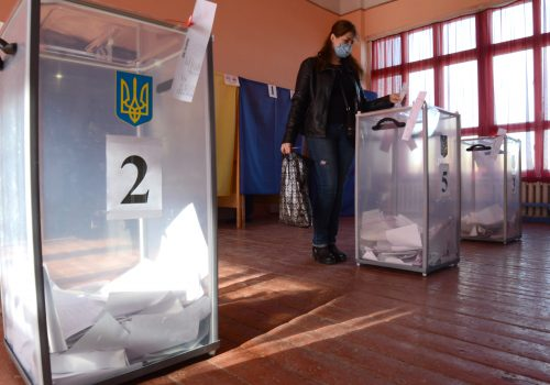 Why war-torn east Ukraine votes for pro-Russian parties