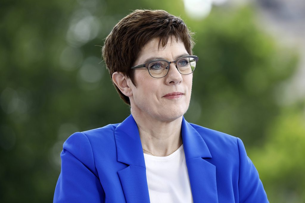 Speech: German defense minister on America, the West, and the 'new German question'