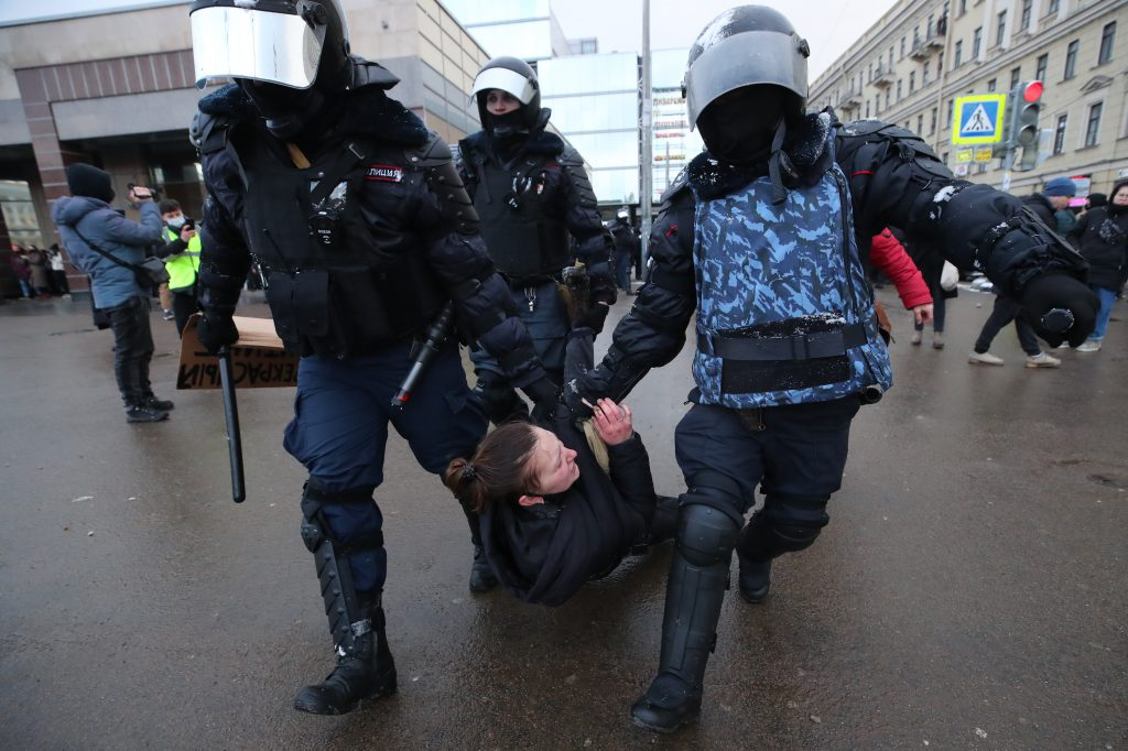Belarus protests echo in Russia: Will Putin repeat Lukashenka's mistake?