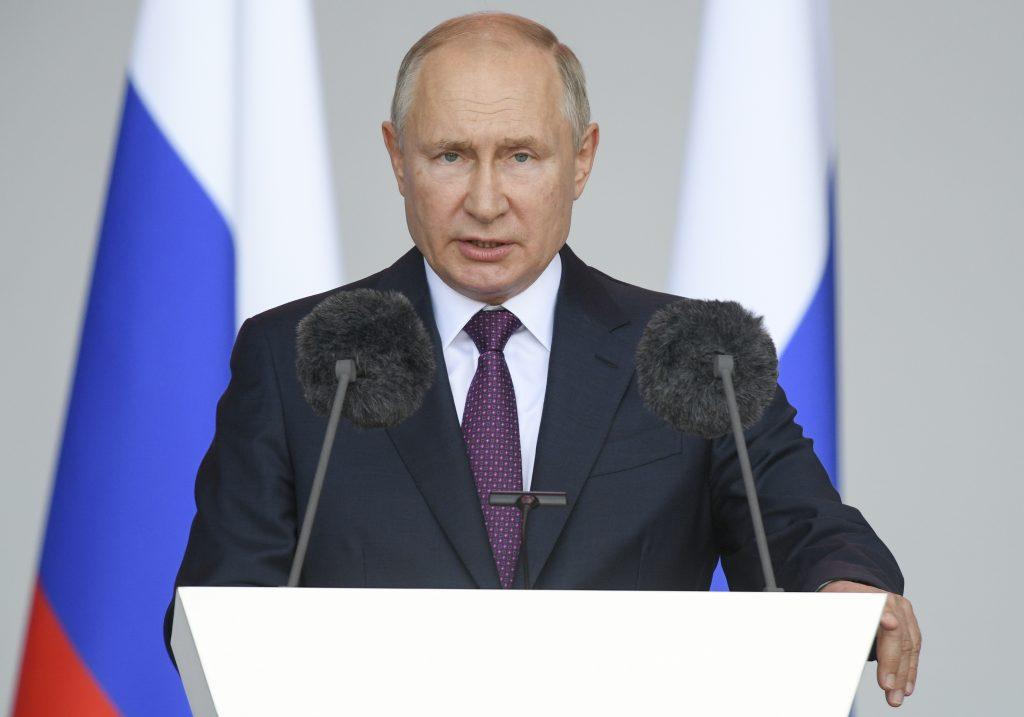 Putin militarizes Belarus